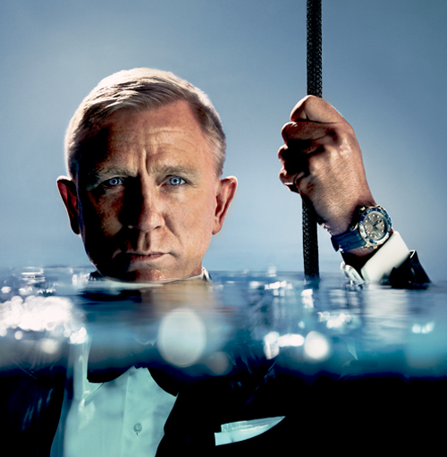 Daniel Craig brings the Seamaster Diver 300M to the surface